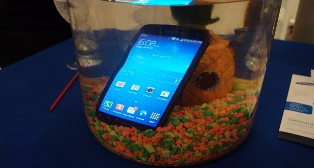 samsung-galaxy-s4-active-submerged-1_slideshowdisplayv3
