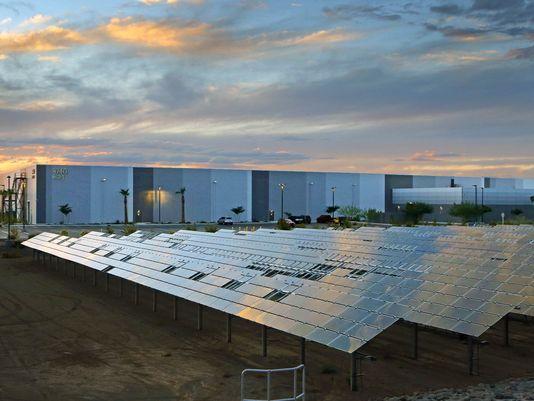 Apple-Arizona-Solar-Powered-Plant