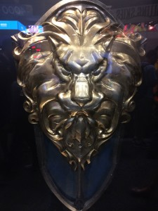 Warcraft-movie-logo-weapons-lion-shield.jpg