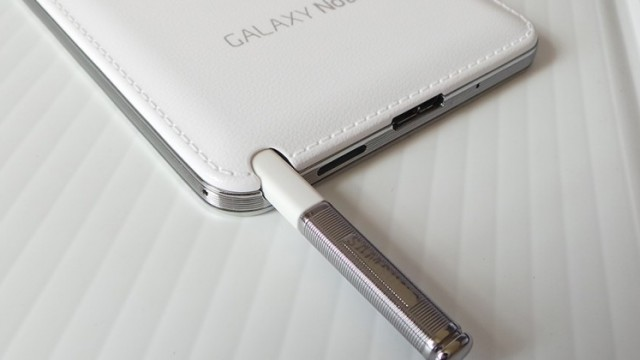 iphone-5s-Samsung-Galaxy-Note-4-s-pen