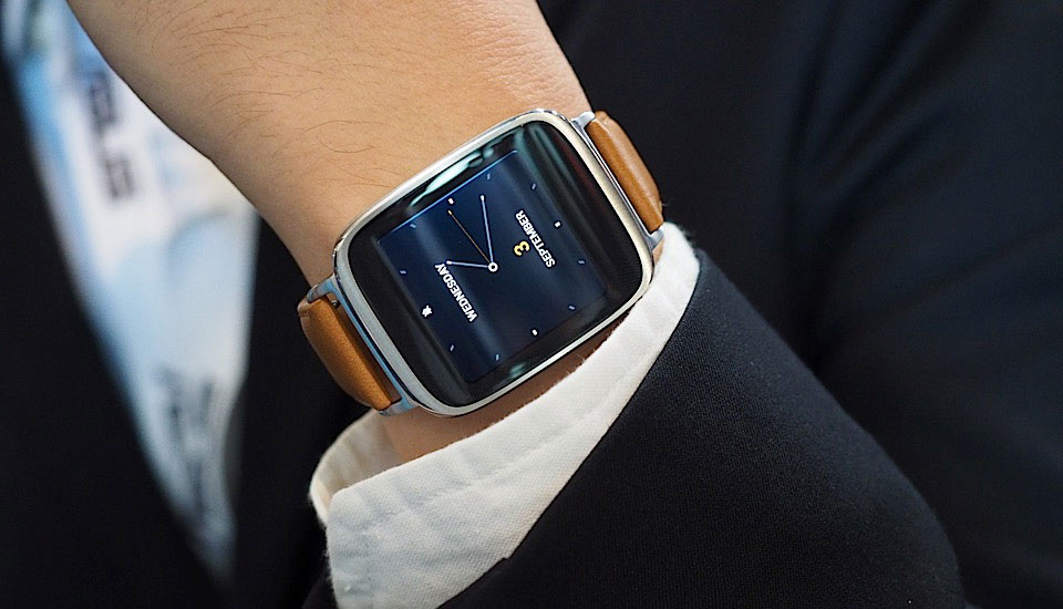 Asus ZenWatch vs Samsung Gear S – Load the Game