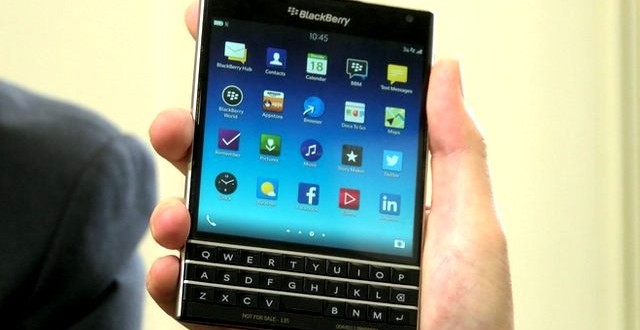 blackberry-passport-promotion-black-friday