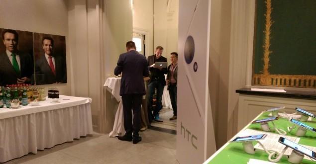 HTC-One-M8-vs-HTC-Desire-820