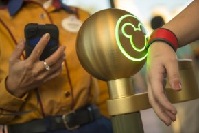 Disney World starts accepting Apple Pay and Google Wallet payments