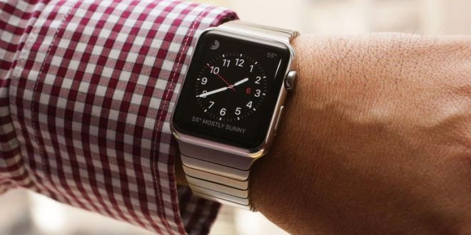 Apple-watch-on-hand