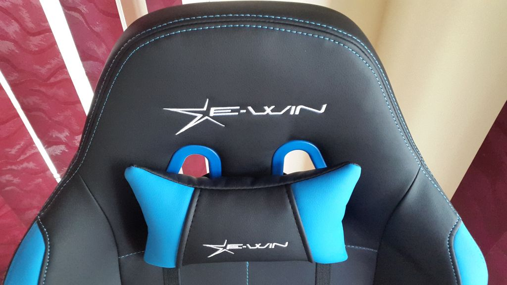 Review Ewin Champion Series Gaming Chair With Pillows